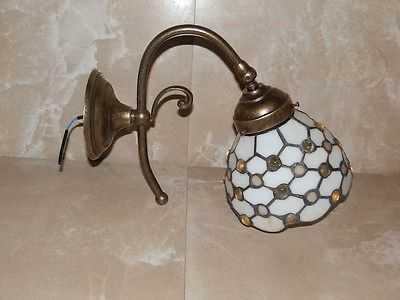 Applique con vetro a geometrie di rombi in stile tiffany
