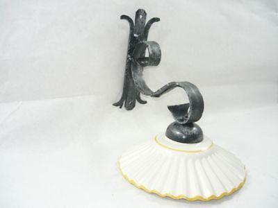 Applique in ferro battuto con ceramica bianca gialla classicarte
