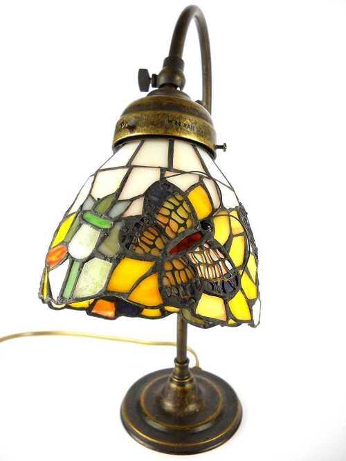 Lampada da tavolo in ottone con vetro tiffany artigianale for Arredo casa guardiagrele