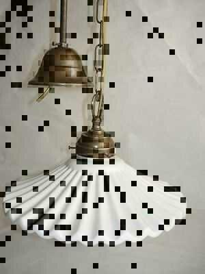 Lampadario in ottone con ceramica bianca plissettata for Arredo casa guardiagrele