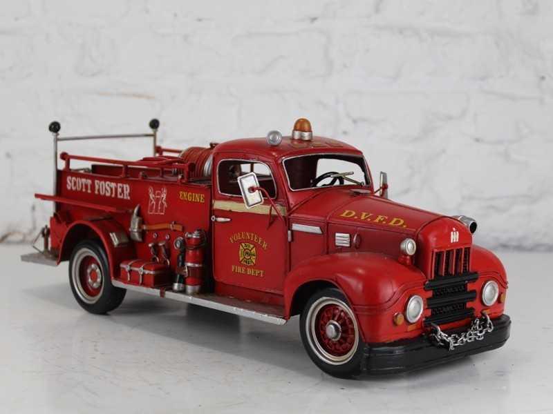 Modellino in latta di un camion rosso dei pompieri u s a for Arredo casa guardiagrele