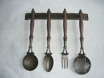 Set mestoli attrezzi cucina in ottone brunito e legno for Set mestoli cucina