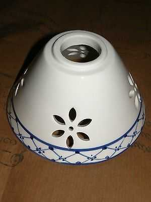 Coppetta o paralume in ceramica traforata per lampade for Arredo casa guardiagrele